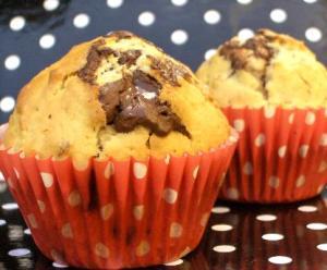 Muffins med choklad och nötter
