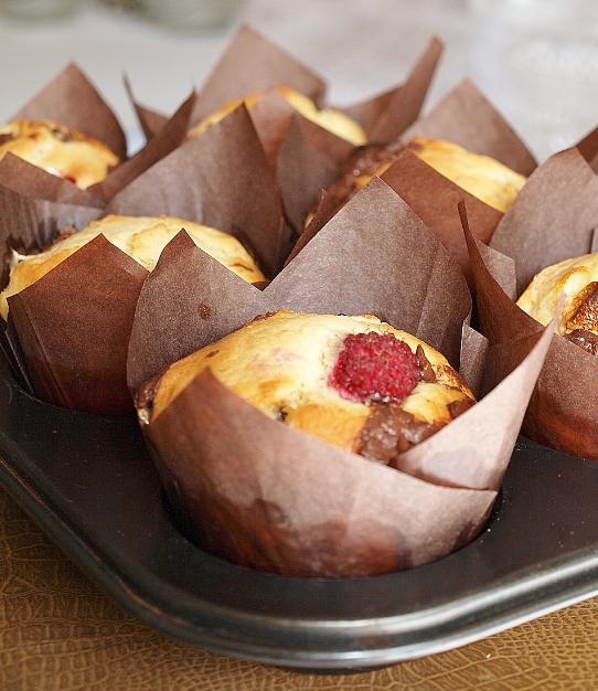 muffins med hallon och choklad